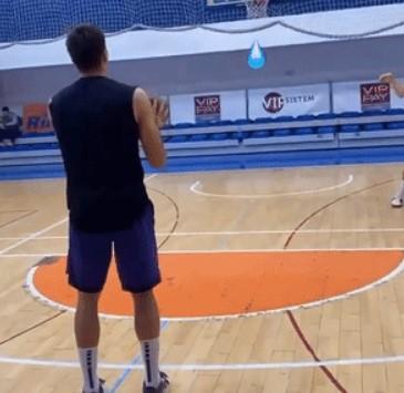 波格丹-波格丹诺维奇晒自己的训练片段:返璞归真