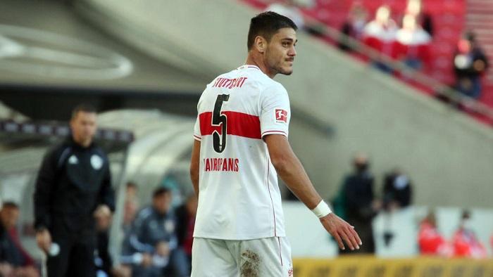 踢球者:阿森纳外租后卫马夫半月板受伤,长期伤停