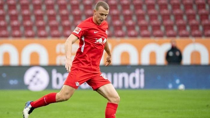 踢球者:德国国脚克洛斯特曼明年才能复出