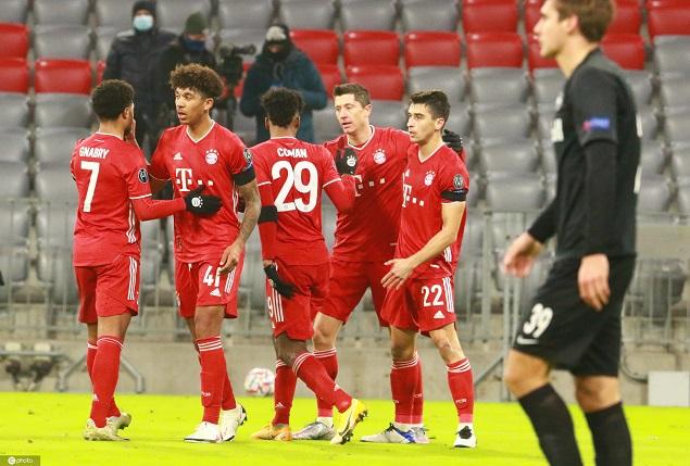 欧冠:莱万破门科曼造乌龙,拜仁3-1萨尔茨堡头名出线