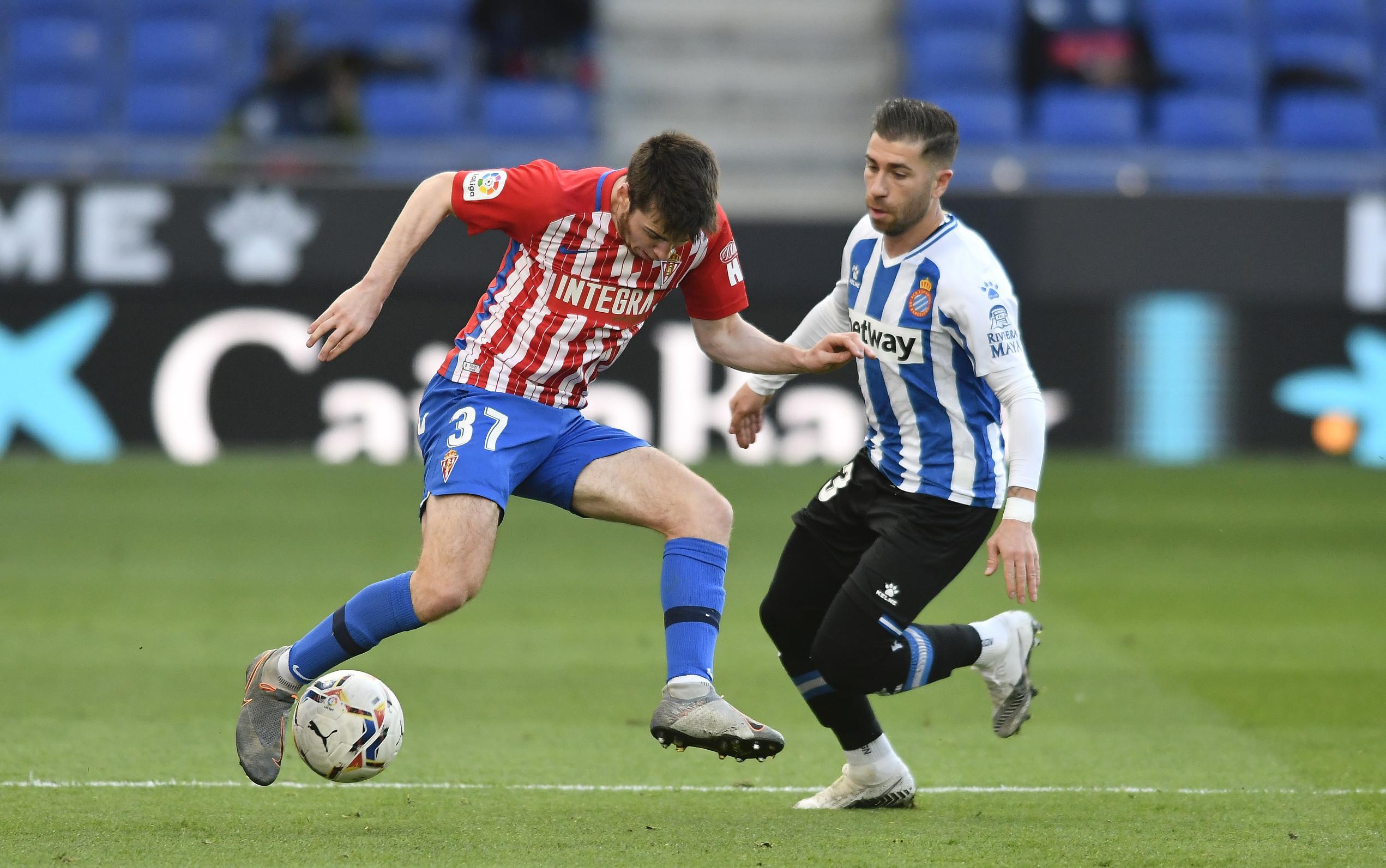 半场:武磊未登场两队破门乏术,西班牙人0-0希洪