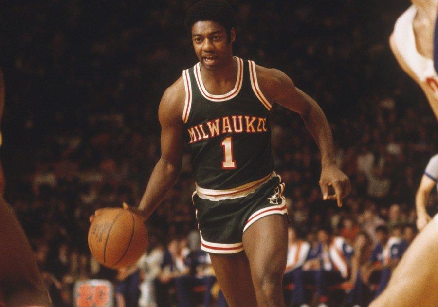 1974年的今天,罗伯特森拿下生涯最后一场三双
