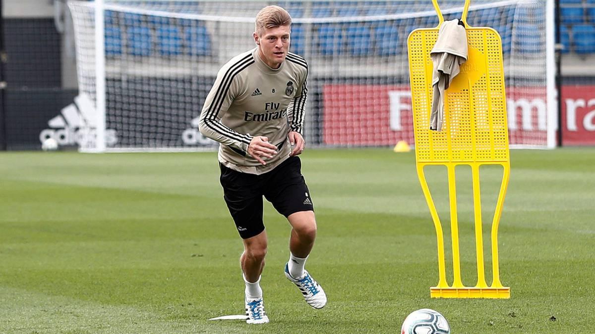 弟弟:克罗斯短期内不会换队,他在马德里过得很开心