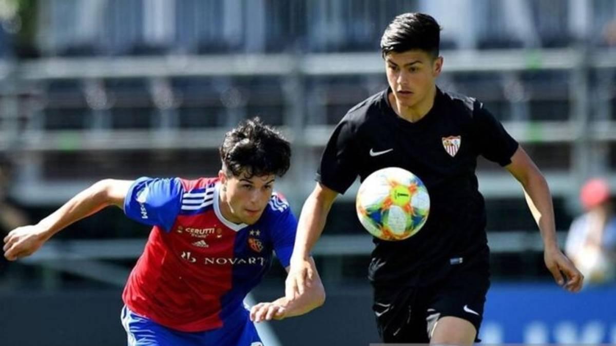22场22球,皇马巴萨阿贾克斯等队关注塞维利亚18岁中锋