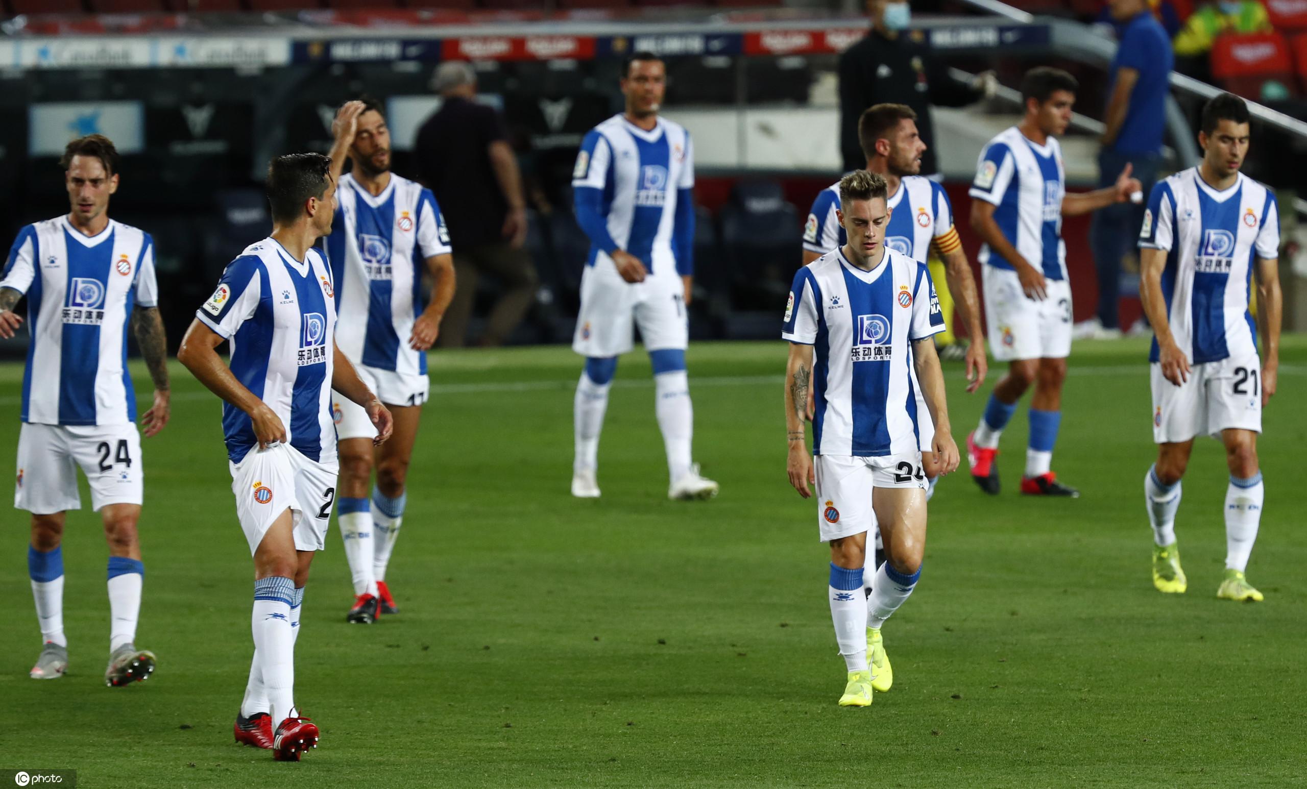苏亚雷斯破门巴萨1-0西班牙人,后者提前三轮降级