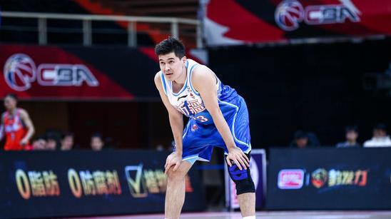 新疆三分命中率8.7%,队史CBA单场第二低