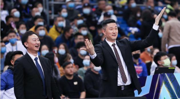 最佳教练员票选:杜锋410分,刘维伟280分,杨鸣247分