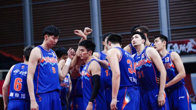 国内媒体:新疆队20号开始备战新赛季,曾令旭等人在京康复