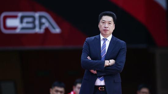 官方:李春江正式与上海签约,新赛季担任球队主教练